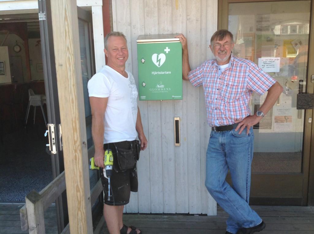 Hjärtstartaren monterad den 18 Juli av Magnus Runeson och Göte Johansson